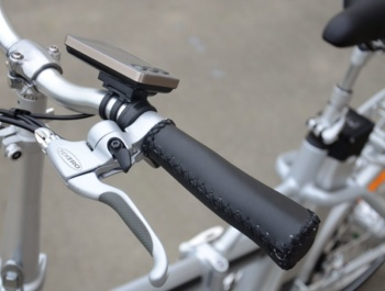 Folding AGOGS SilverGo - a bell integrated in the brake lever