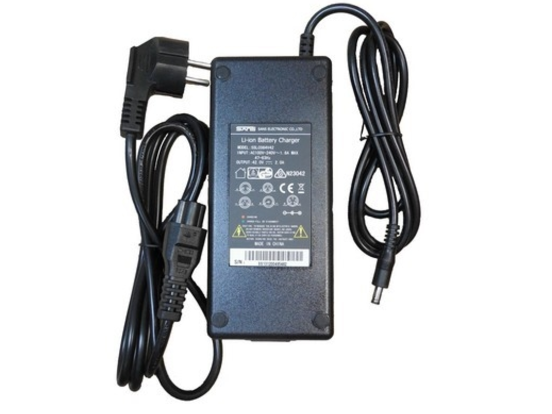 Charger for Leader Fox batteries