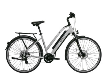 E-bike with central drive for travelling.