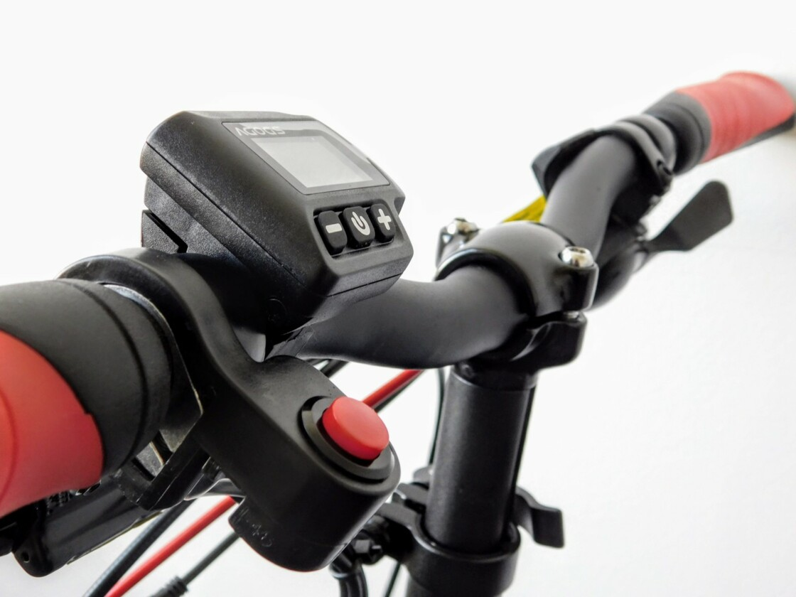 Folding e-bike Agogs Barack - Shimano ThumbShift shifting - right thumb is all it takes to switch gears