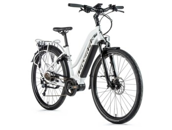 DENVER 2020 trekking electric bike with aluminium frame, sporty design and Bafang motor.