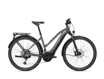 Travel e-bike with a powerful Yamaha SyncDrive Sport central motor, Giant RideControl Ergo control unit and high-performance EnergyPak Smart 625 Wh battery. Explore E + will be a great for any trip.