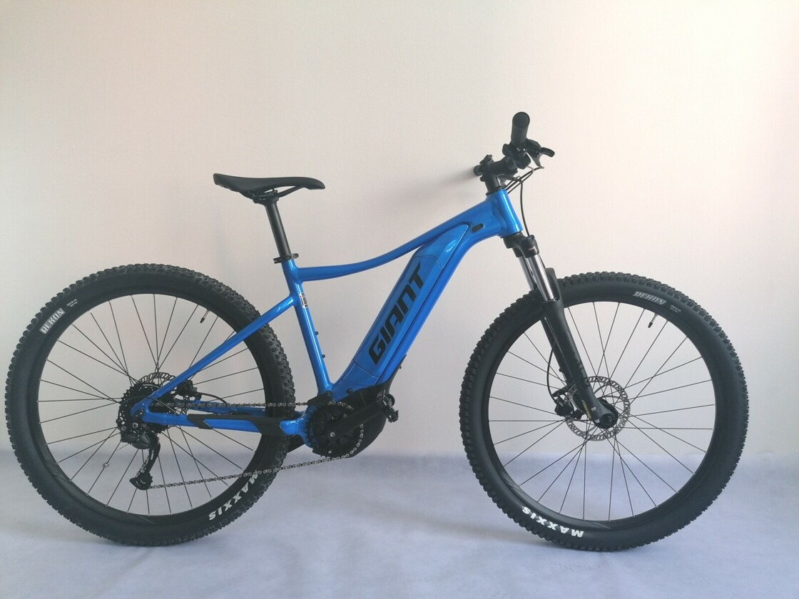 GIANT TALON E + 2 29 - mountain electric bike - central drive Yamaha - blue