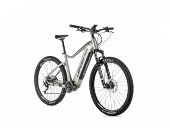 "Mountain e-bike with a Bafang M500 engine and a very powerful battery with a capacity of 720 Wh. The Altar boasts a sprung RST front fork, disc brakes, quick charger and nimble 29"" wheels."